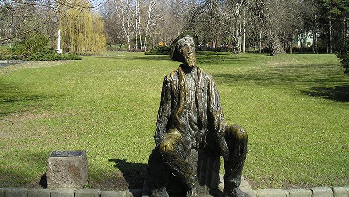 statua djure jaksica u dunavskom parku
