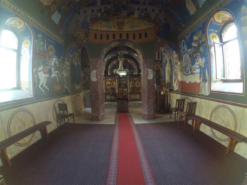 Unutra[njost manastira Velika Remeta